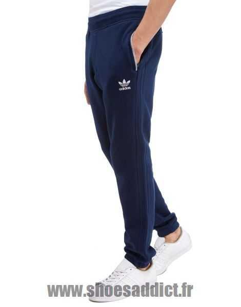 d9f0255147482e Acheter adidas pantalon trefoil original pas cher ici en ligne avec le prix  le plus bas possible. Remises spéciales sur les nouvelles offres 2018.