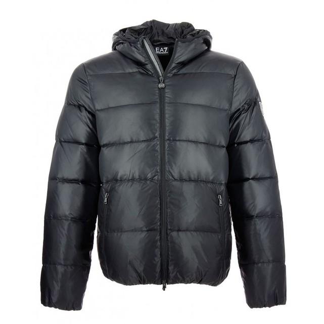 7d0dd0de8597 Acheter blouson emporio armani homme original pas cher ici en ligne avec le  prix le plus bas possible. Remises spéciales sur les nouvelles offres 2018.