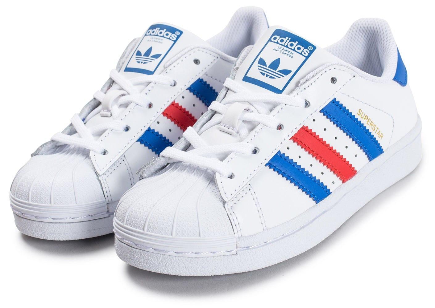 chaussure adidas blanc ligne rouge et bleu
