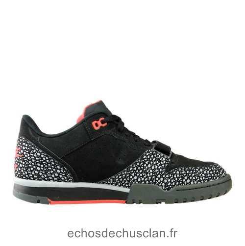 sale retailer 4ee2d bd957 Acheter chaussure nike air trainer pas cher original pas cher ici en ligne  avec le prix le plus bas possible. Remises spéciales sur les nouvelles  offres ...