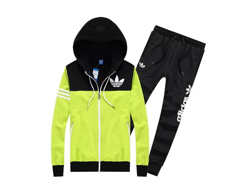 Acheter jogging adidas pas cher garcon original pas cher ici en ligne avec  le prix le plus bas possible. Remises spéciales sur les nouvelles offres  2018. 1f069fb85df